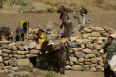 Ethiopia groundwater extraction by women